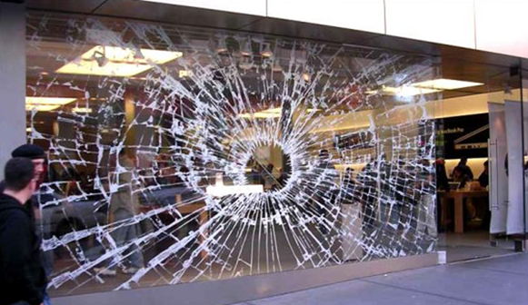 Apple Store window Ads of the World™ - Google Chrome_2012-11-26_09-26-48