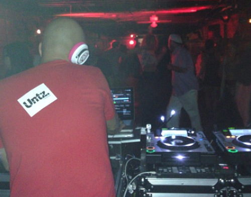 An Untz sticker slapped onto a DJ.