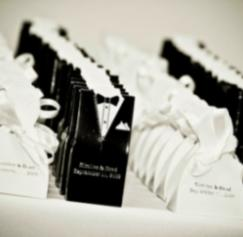 Give Wedding Guests a Custom Deck of Cards