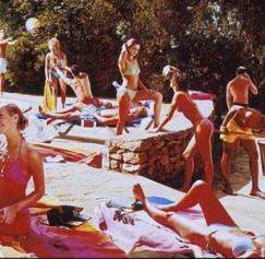 10 Cool Poolside Ad Designs