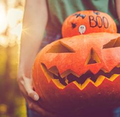 Happy Halloween: 21 color palettes for your marketing materials
